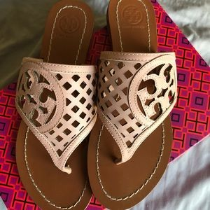 Tory Burch Sandals in Light Pink Color